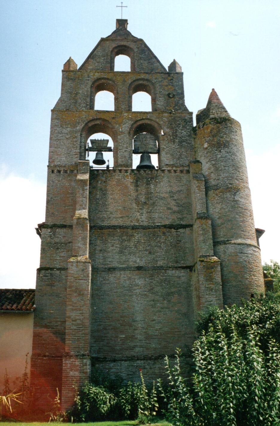 Clocher, église de Saint-Aignan. Photo JGE, 2002